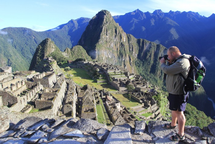 Предлагаю сотрудничество  в сфере профессиональной репортажной и туристической фотографии.